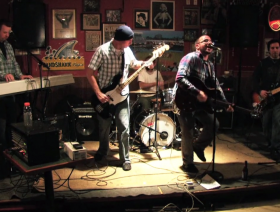 Phineas and the Lonely Leaves: The Feeling - Live at Paulie's Pub